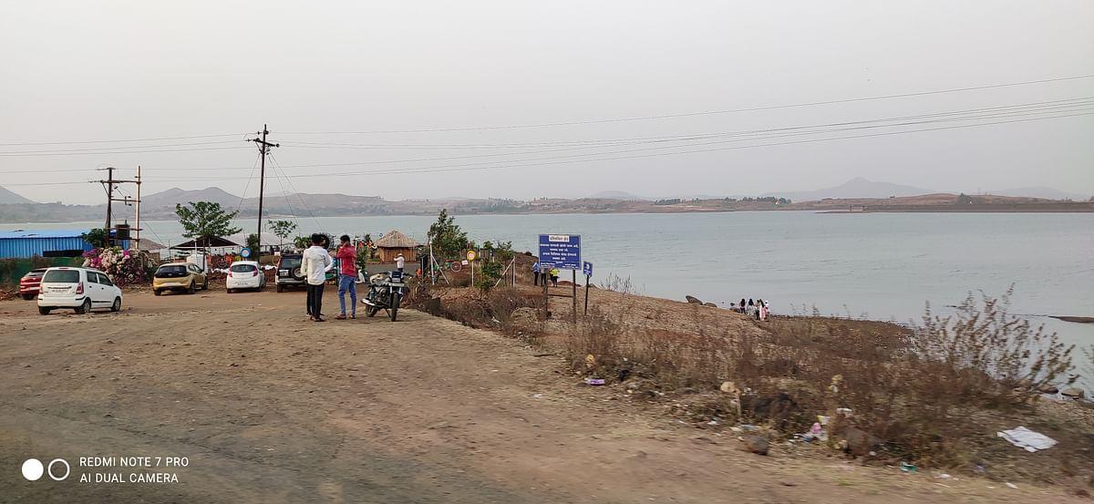 विकेंडला कश्यपी धरणांवर पर्यटकांची गर्दी