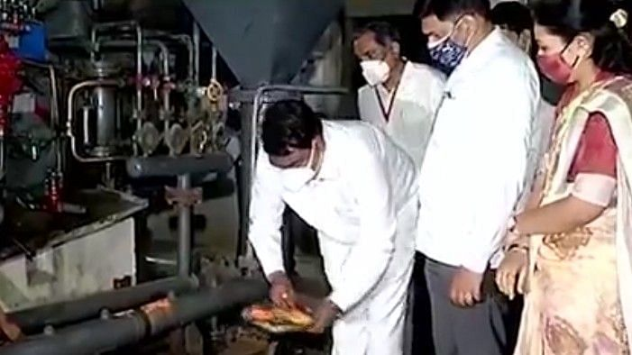 Closed factory restarts in Sinnar, revives hopes for oxygen cylinders