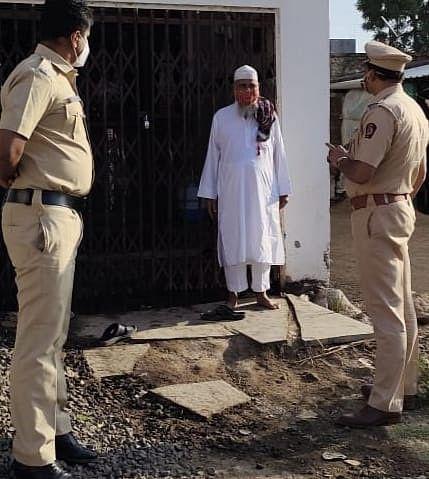 कोपरगाव : मुस्लिम बांधवांनी  केले घरीच नमाज पठण