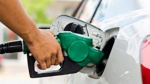 राज्यातील या शहरांमध्ये पेट्रोल 'शंभरीपार' !