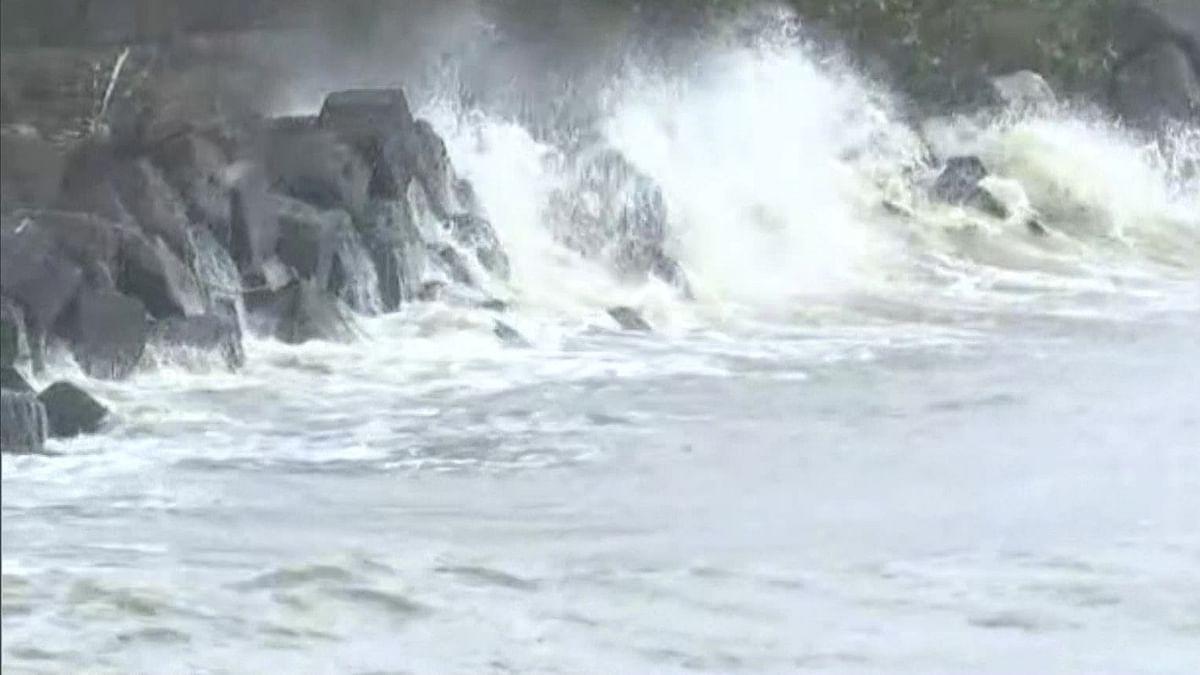 Cyclone Tauktae: नाशिक शहरात वारे व ढगाळ वातावरण