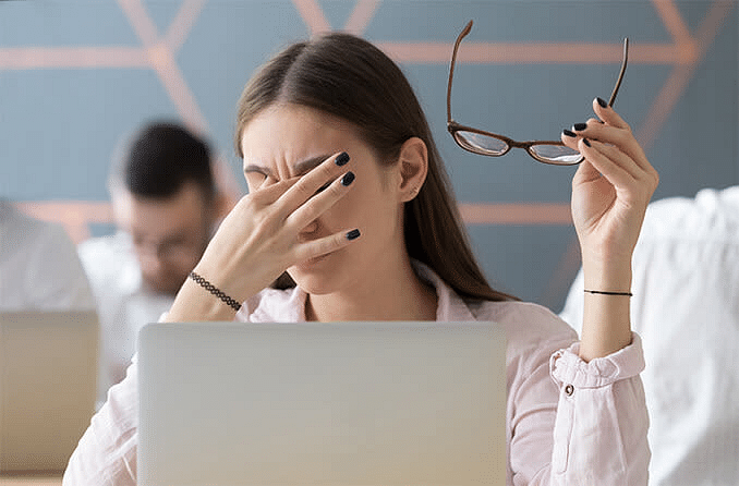 संगणकावर काम करताना डोळ्यांची काळजी कशी घ्यावी?