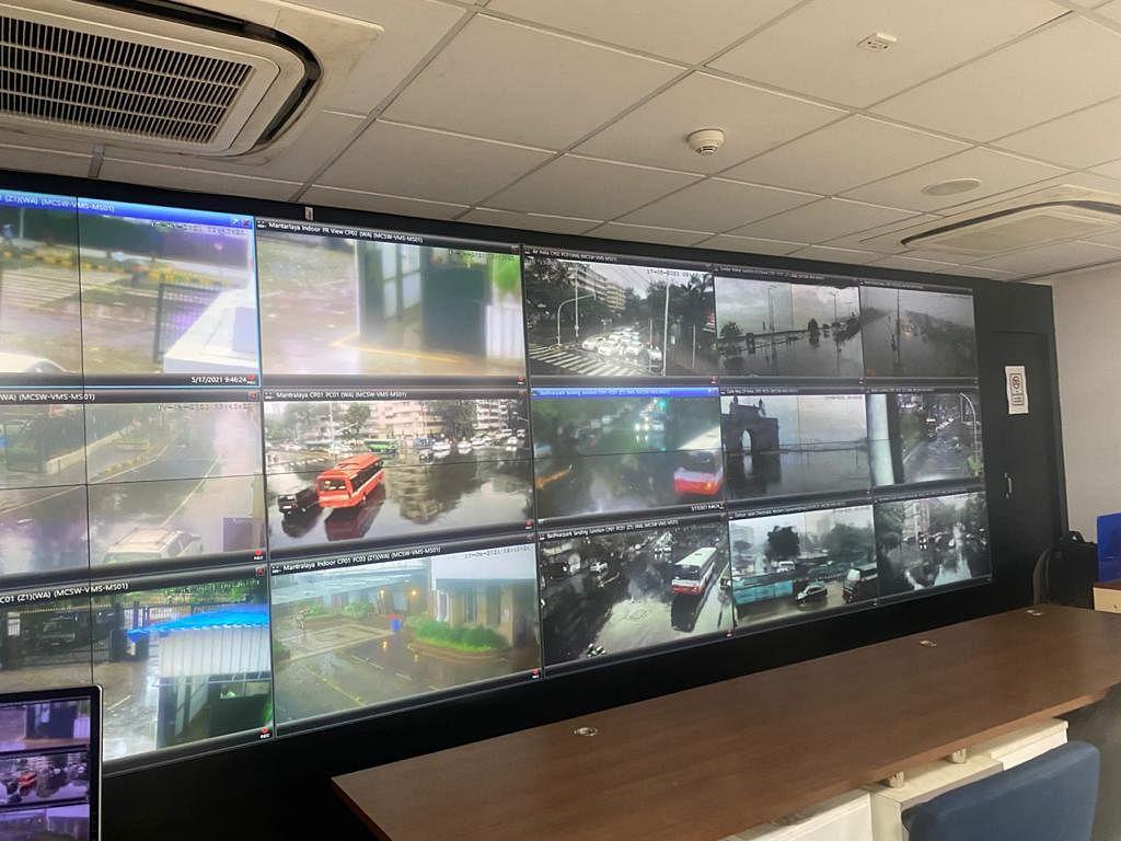Tauktae Cyclone चक्रीवादळाचा मुंबईला जबरदस्त तडाखा