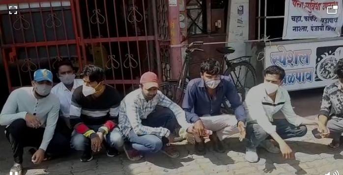Photo धडक कारवाई : नाशिकमध्ये विनाकारण फिरणाऱ्यांना दंड