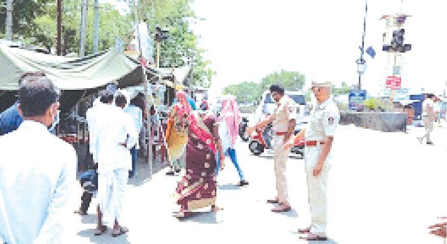 श्रीरामपुरात विनाकारण फिरणार्या इसमांची रॅपिड टेस्ट
