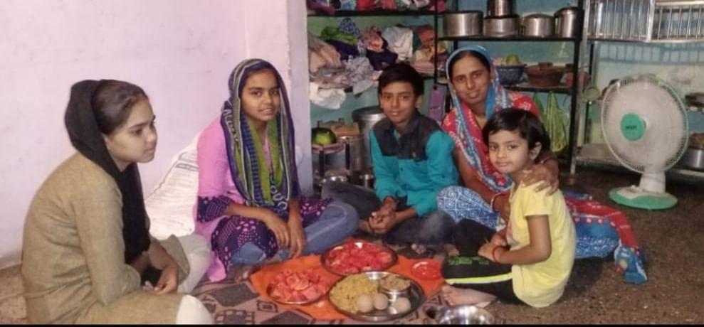 करोनाचे संकट टळण्यासाठी वांबोरीत हिंदू कन्यांचा रोजा