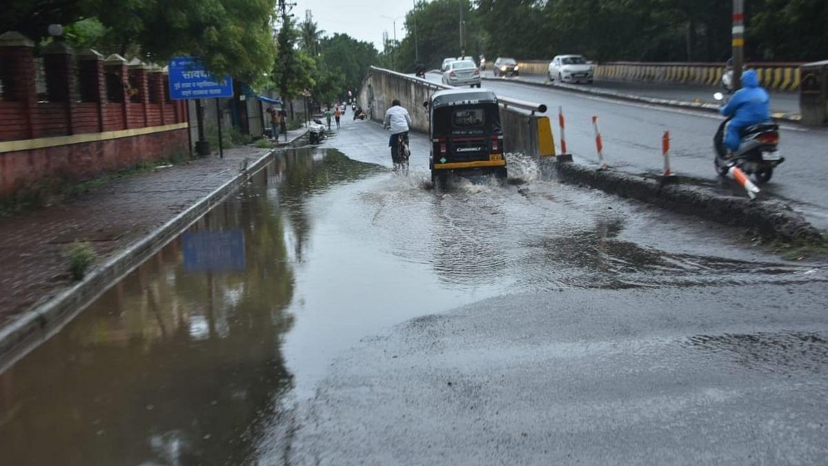 Photo Gallery : गंगापूर रोडवर साचले तळे; तुरळक पावसाच्या सरींनी रस्ते पाण्याखाली