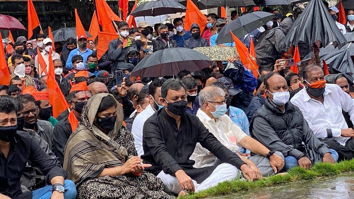 Video : Maratha Reservation : संभाजीराजेंच्या नेतृत्त्वात मूक आंदोलनाला सुरुवात