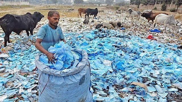संकट कोविड कचर्याचे