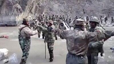 'वो है गलवान के वीर…'; भारतीय लष्कराकडून शहीदांना श्रद्धांजली, पाहा व्हिडिओ