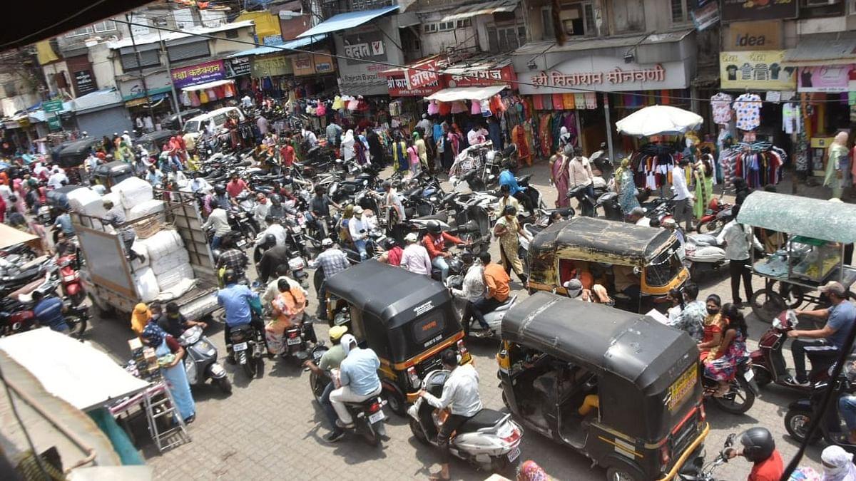 Video : खरेदीसाठी नाशिककरांची झुंबड; गल्ली-बोळं, चौकाचौकात अतोनात गर्दी