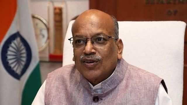 Modi cabinet expansion : संजय धोत्रे यांच्यासह केंद्रातील 'या' मंत्र्यांचा राजीनामा