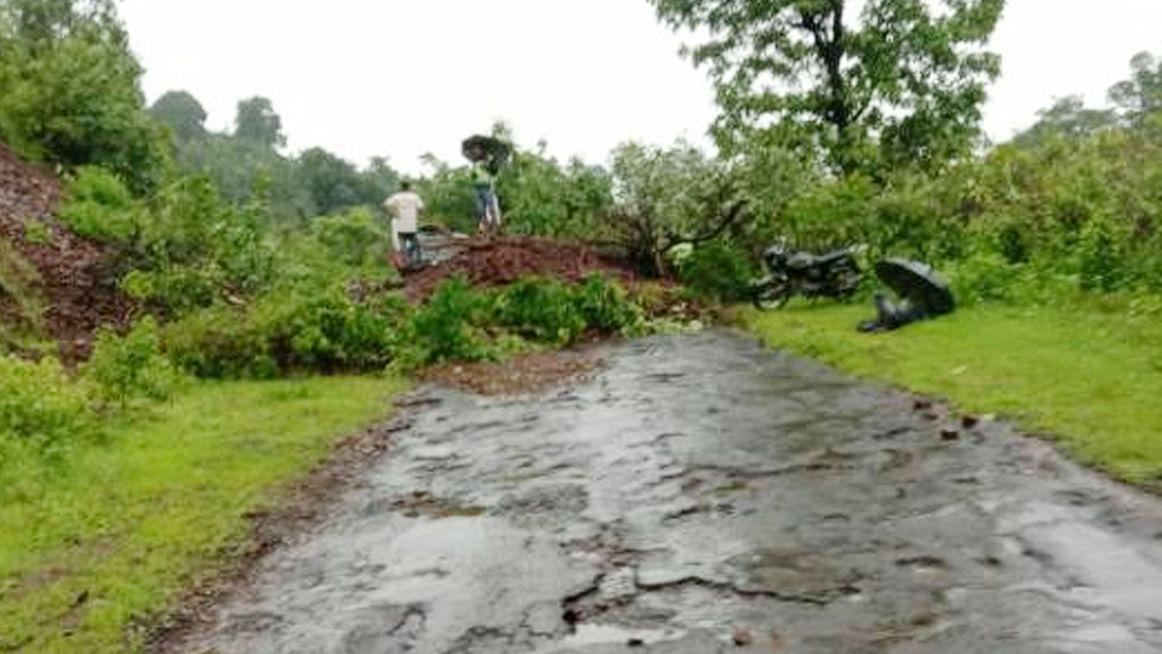 Video : पेठ तालुक्यात धुवाधार; अनेक गावांचा संपर्क तुटला