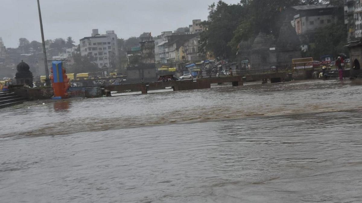 Photo Gallery :  २४ तासांत नाशकात 'इतका' पाऊस; पाहा गंगेवरची सद्यस्थिती