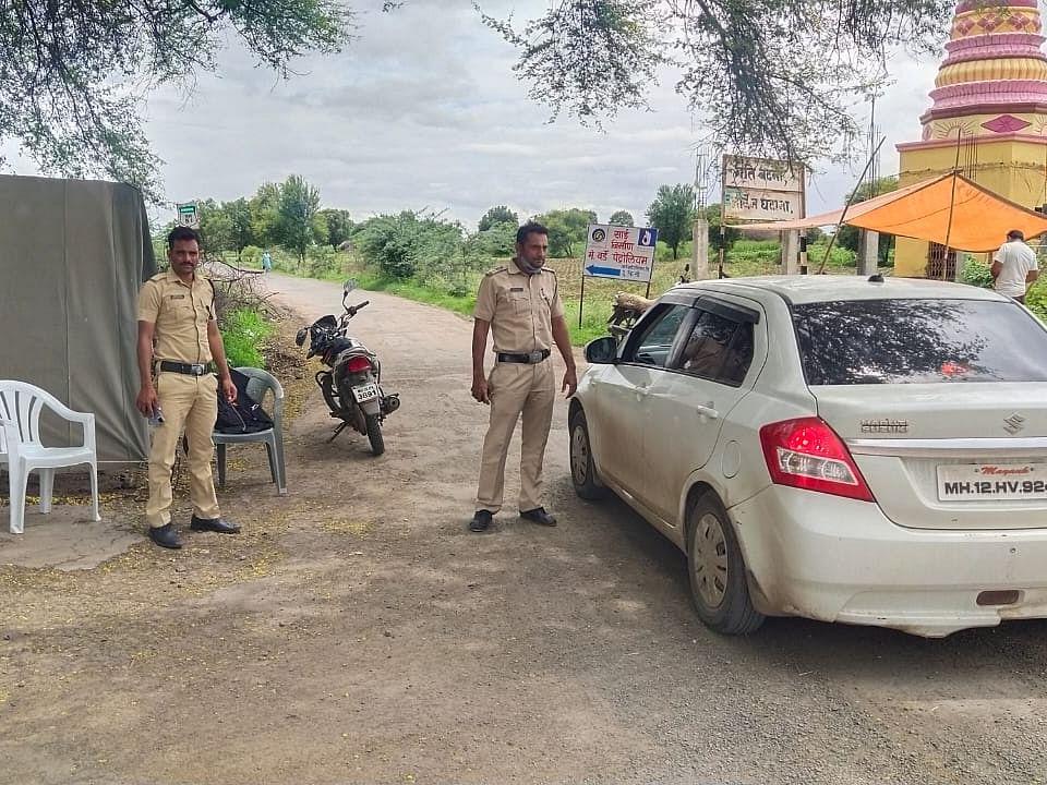 बकरी ईदच्या पार्श्वभूमीवर श्रीरामपुर-वैजापुरला जोडणाऱ्या रस्त्यावर पोलिस चेक पोस्ट
