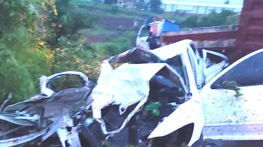 वाडीवर्हेजवळ ट्रक- कार अपघातात चार जण ठार