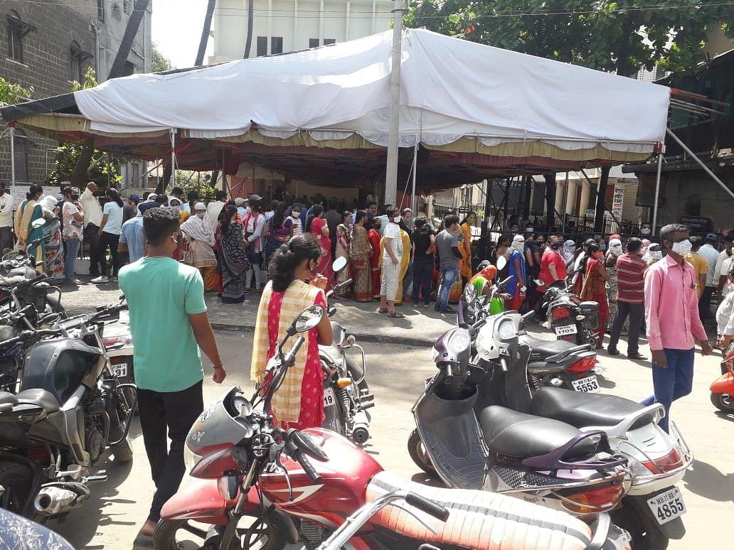 श्रीरामपुरात राष्ट्रीय युवा दिनीच लसीकरणावाचून युवकांना तीन तास ताटकळत बसावे लागले