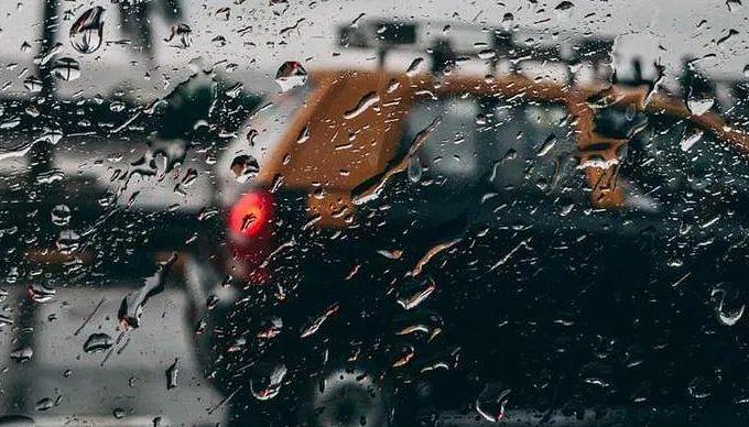 Mumbai Rain : मुंबईत पावसाची जोरदार बॅटिंग; लोकलची वाहतूक कोलमडली