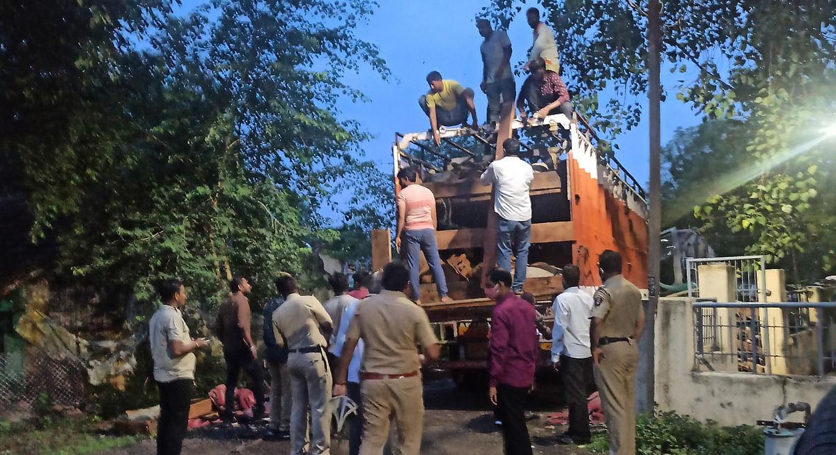रावेरात निर्दयीपणे गोवंश वाहतूक करणारा ट्रक पकडला