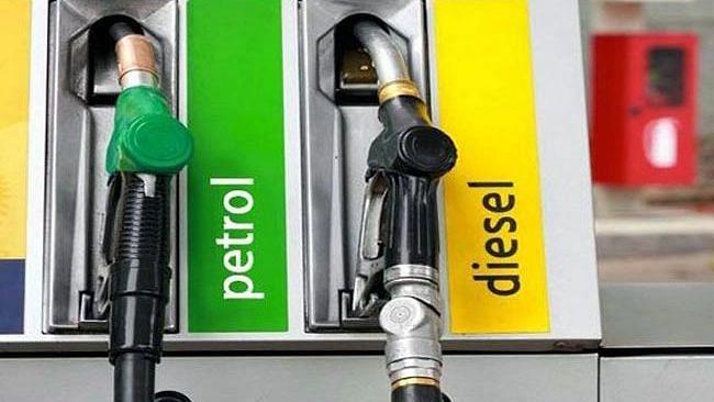 Petrol-Disel Price : अमृत महोत्सवी स्वातंत्र्य दिनी देशात पेट्रोल-डिझेलच्या किमती 'जैसे थे'!