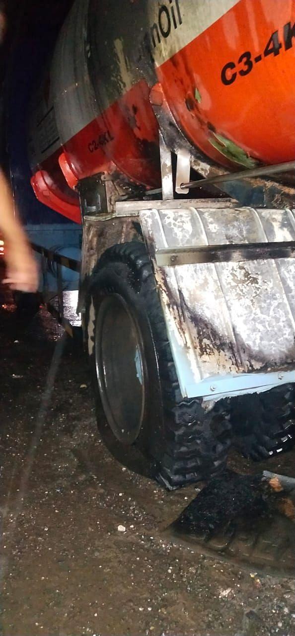 कालिंकामाता चौफुलीजवळ डिझेलच्या धावत्या टँकरला आग