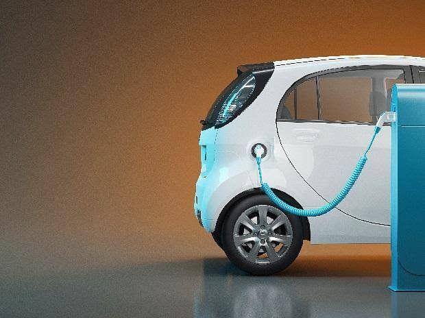 नाशिकच्या रस्त्यावर सेल्फ चार्जिंग ई- व्हेईकल धावणार
