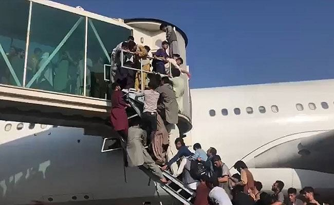 अफगाणिस्तानवर तालिबानचा कब्जा! विमानतळावर गोळीबार; नागरिकांची धावपळ, पाहा भयावह दृश्य