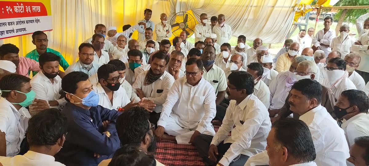 डॉ. तनपुरे कारखाना कामगारांबरोबर चर्चा करून मार्ग काढू - ढोकणे