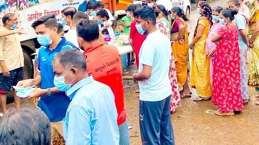 A helping hand to flood-affected
