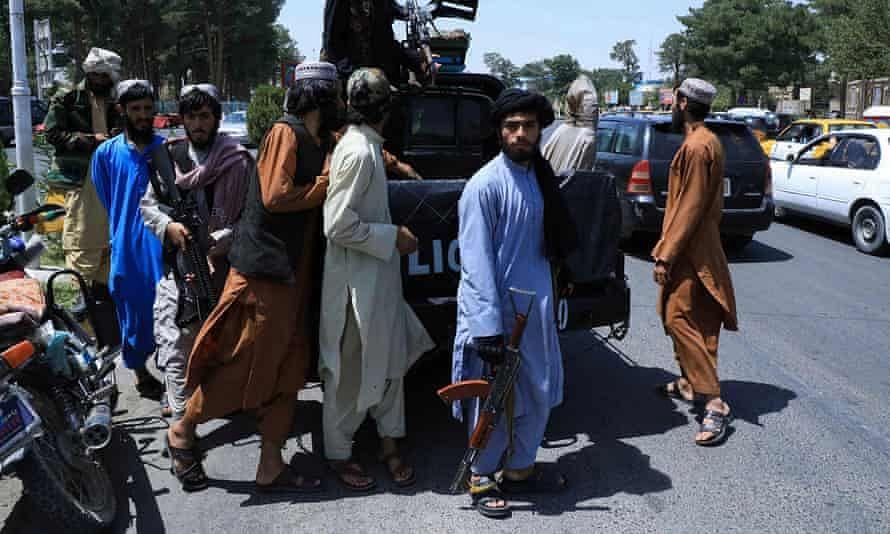 Afghanistan Taliban Crisis : तालिबानी काबुलमध्ये, सर्व सीमांवर ताबा... अफगाणिस्तानमध्ये नेमकं घडतंय काय?