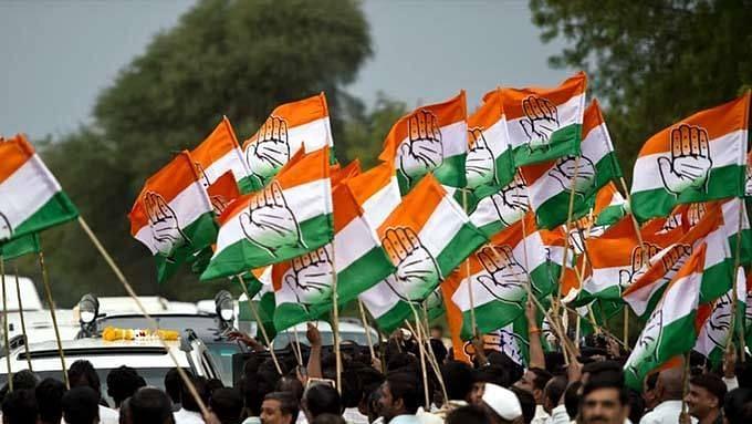 रघुपती राघव राजाराम...!; आपसातील वादात काँग्रेसवर राजकीय भजनाची वेळ