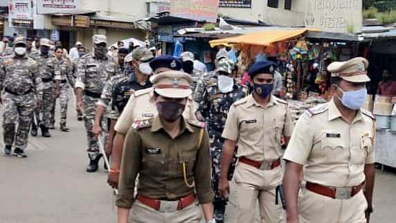 त्र्यंबकमध्ये पथसंचलन; भाविकांच्या सुरक्षेसाठी 'अशा' पोलिसांची नियुक्ती