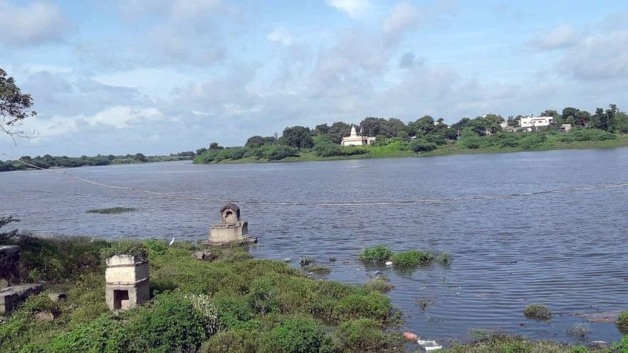 गोदावरी नदीवरील नियोजित पुलाचे काम सुरु करावे - वहाडणे