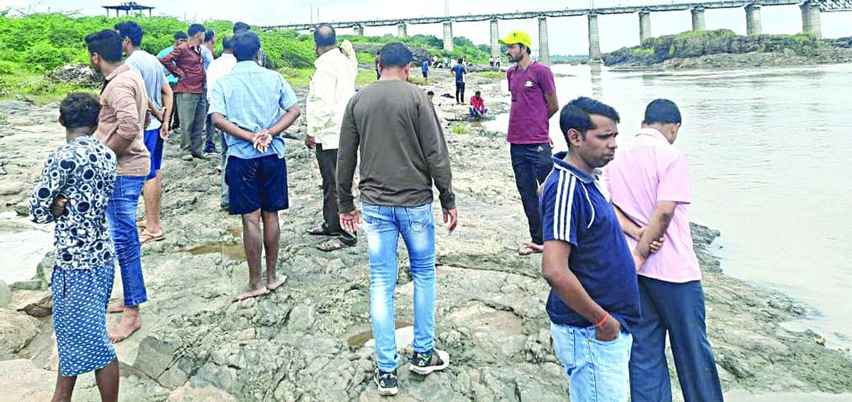 तापी नदी पात्रात बुडून बालिकेचा मृत्यू