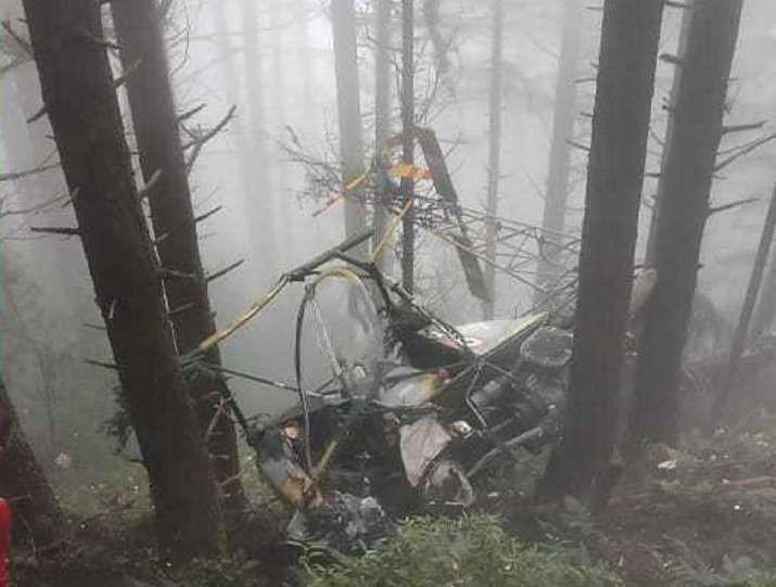 भारतीय लष्कराचे चॉपर घनदाट जंगलात कोसळले; दोन अधिकारी शहीद
