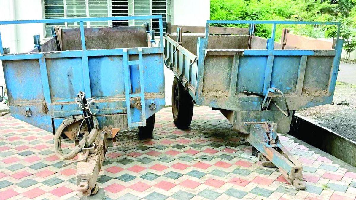 चोरीस गेलेल्या ट्रॉल्या परत मिळल्याने शेतकर्यांना पोळ्याचं गिफ्ट