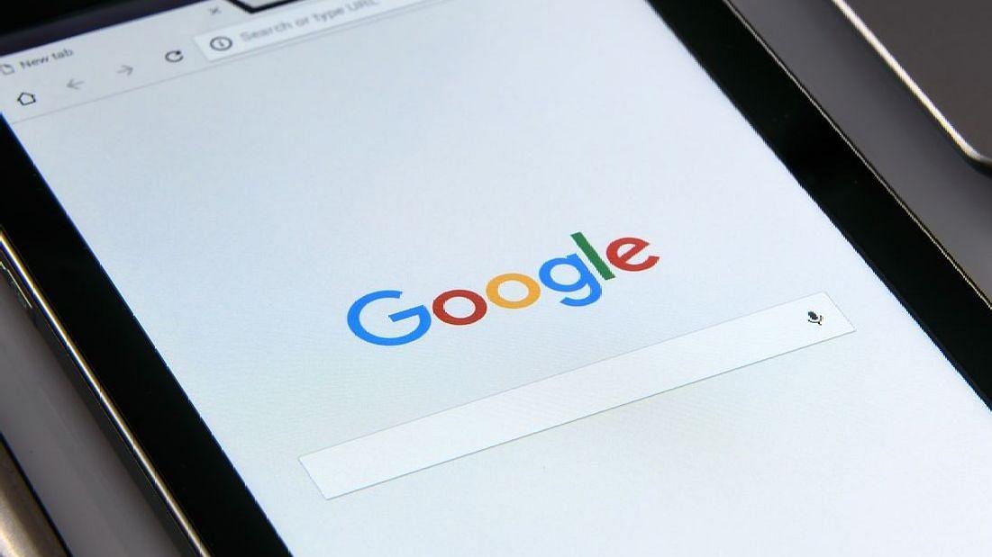 गुगलच्या 'या' फीचरमुळे डोळ्यांचा ताण होणार कमी