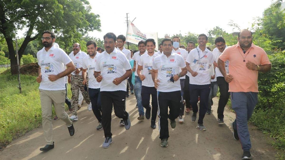 'फिट इंडिया फ्रीडम रन' मध्ये धावले जळगावकर