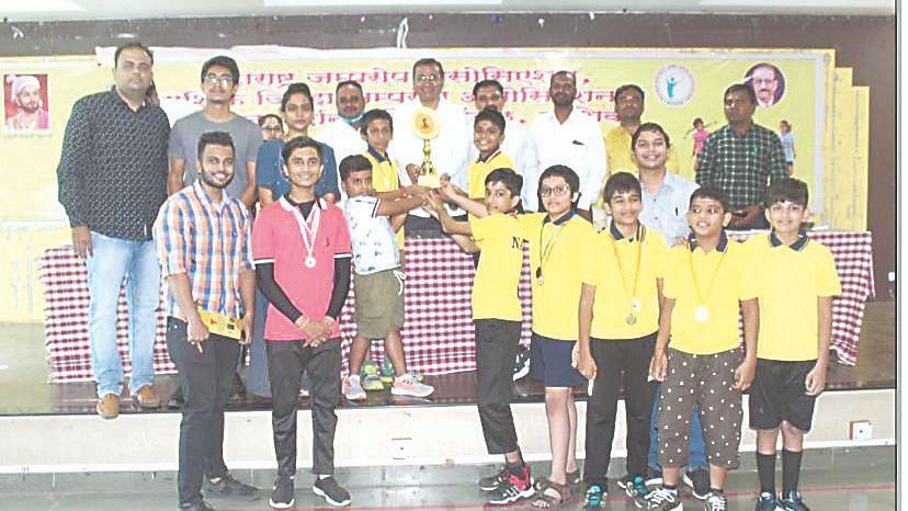 Nashik's girls shine, Thane boys win title