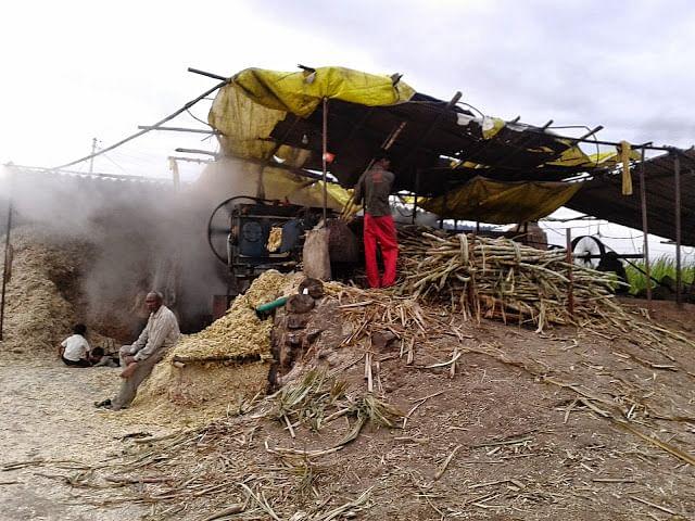 गुर्हाळ्याच्या प्रदूषणाने शेतकरी हैराण