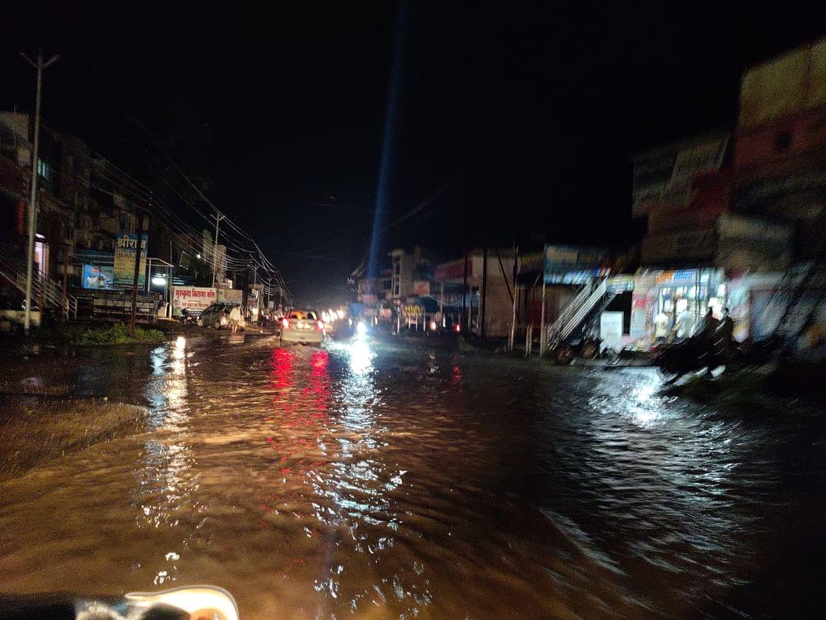 अकोले शहरासह तालुक्यात धुव्वाधार पाऊस