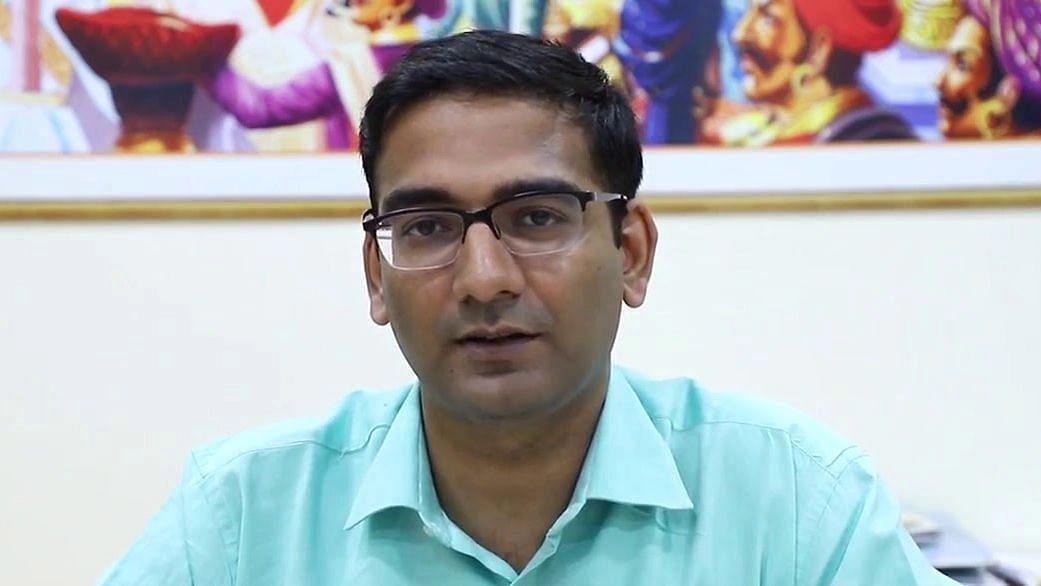 गरबा, दांडिया ऐवजी आरोग्य विषयक उपक्रमांना प्राधान्य द्या - जिल्हाधिकारी