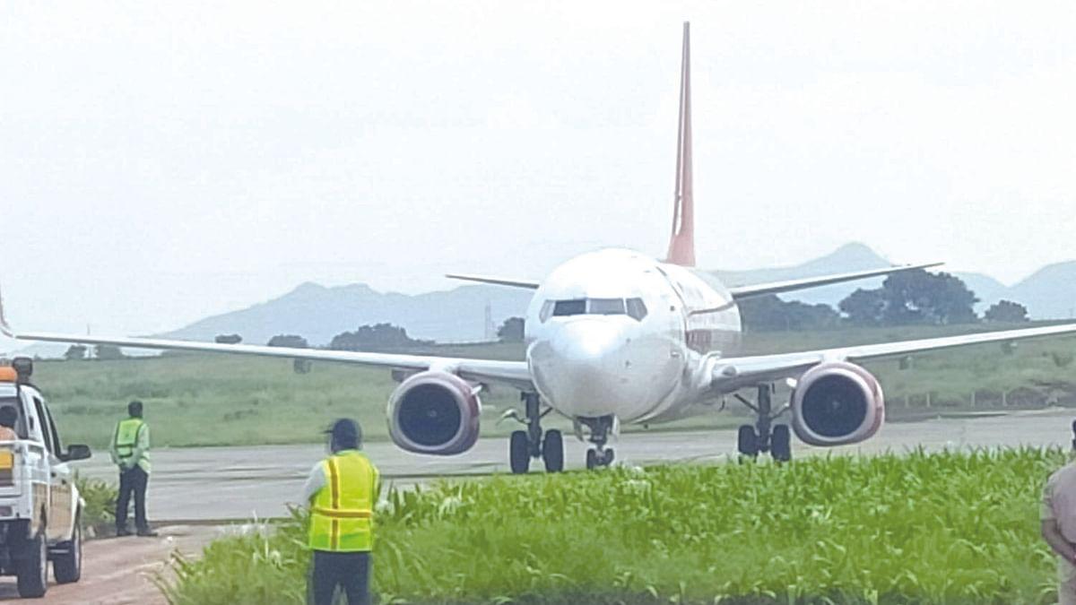 विमानसेवा सुरू, चेन्नईवरून १७२ प्रवाशी घेऊन विमान शिर्डीत दाखल