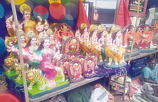 नवरात्रोत्सवासाठी देवी मंदिर सजले