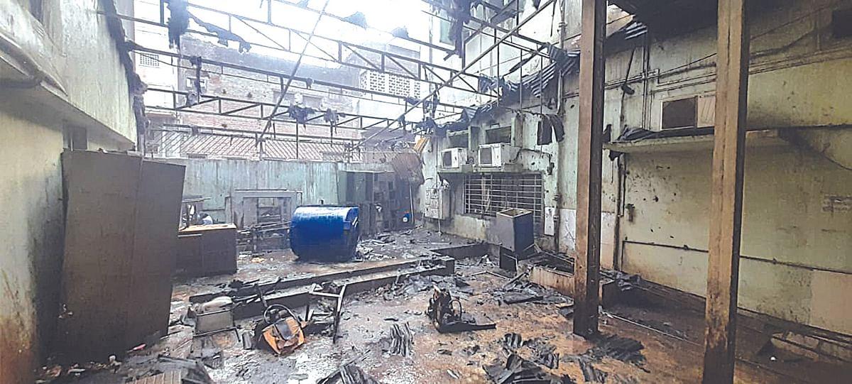 धुळ्यातील बीएसएनएलच्या शेडला आग
