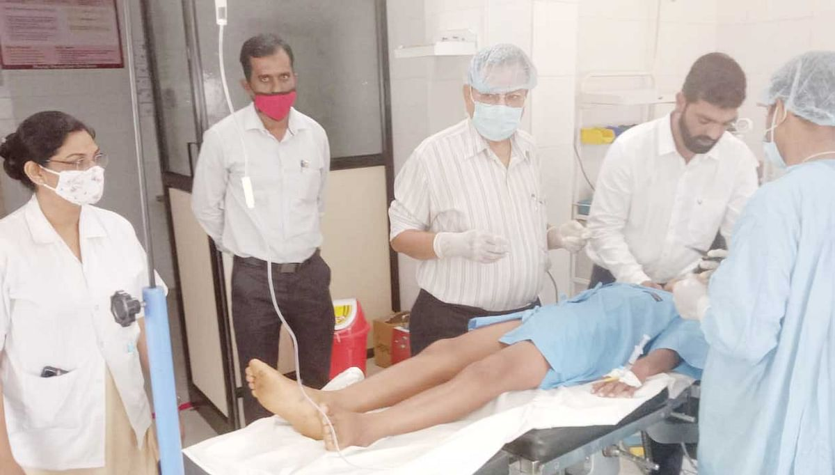 दिंडोरी ग्रामीण रुग्णालयात विद्यार्थ्यांच्या शस्त्रक्रिया