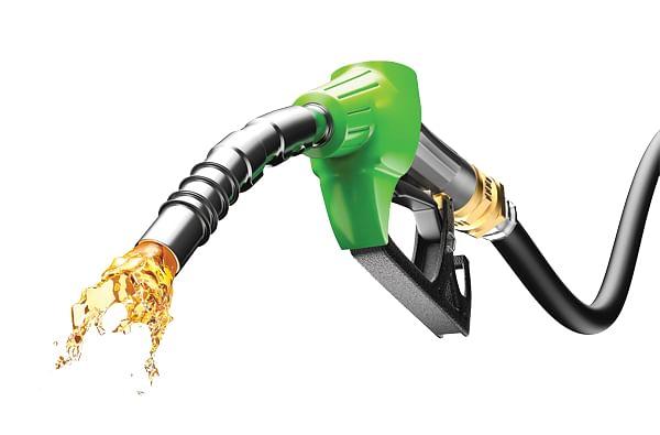 खासगी वाहनांचे पेट्रोल आजपासून 30 एप्रिलपर्यंत बंद