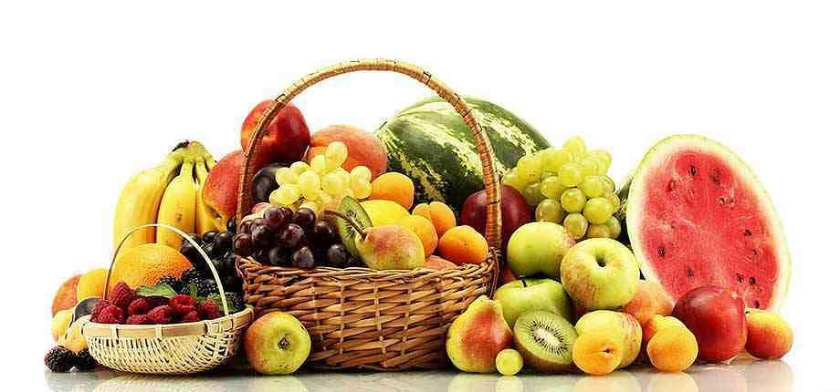 Farmers' find market in delivery of basket vegetables, fruits