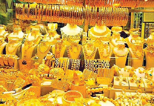 सराफा बाजारात दागिने, वस्तू खरेदीसाठी गर्दी