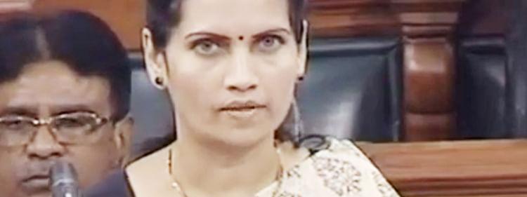केंद्राचा निधी राज्याने थांबविल्याने आदिवासींवर अन्याय : खा. डॉ. भारती पवार